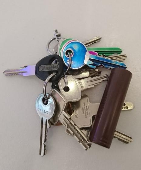 Akku Kurzschluss durch Schlüssel